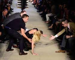 Suka Duka Menjadi Model Fashion